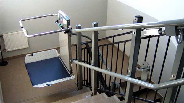 Montascale per disabili in condominio