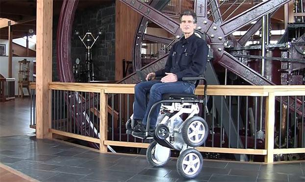 Sedia a rotelle per disabili innovativa Toyota IBot